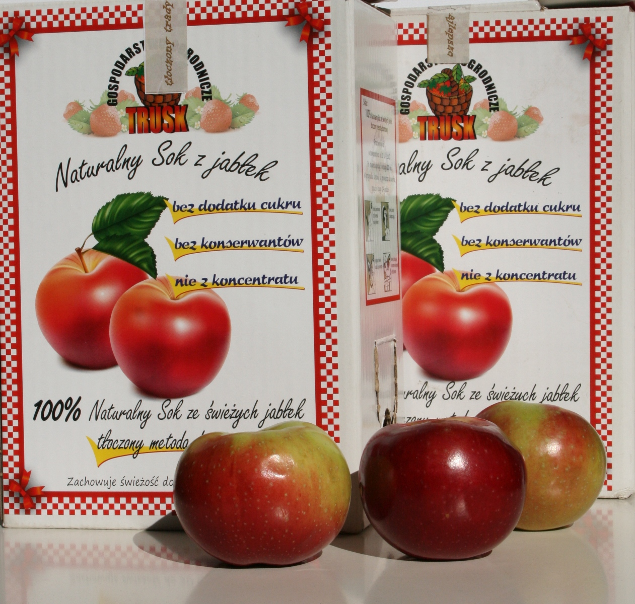 naturalne soki tłoczone owocowe